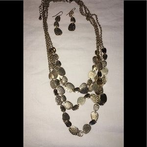 Jewelry - BUNDLE!! Necklace and earrings